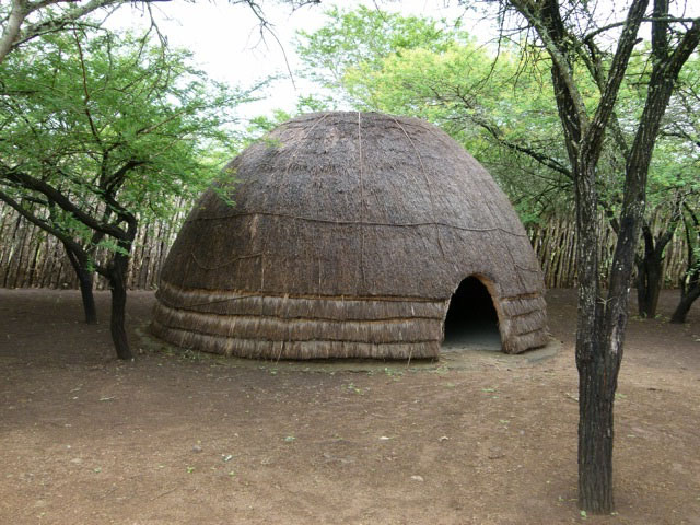 zhilishe-plemen-afriki-foto